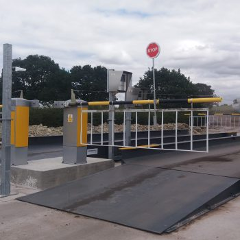heavy duty weighbridge in use with traffic management