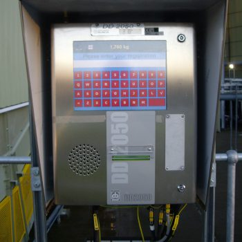 DD2050 weight terminal installed with touch screen