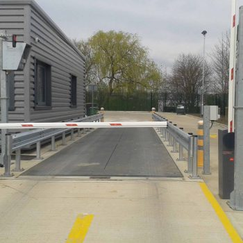 DD2050 weight terminal installed with pit mounted weighbridge