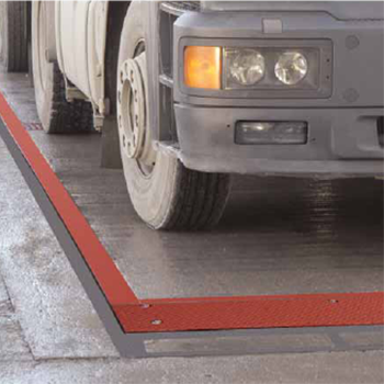 Pit Mounted Eurodeck Concrete Weighbridge in use