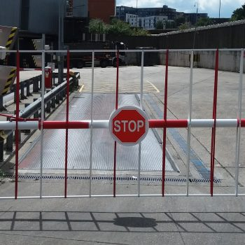 Automatic stop barrier - traffic management